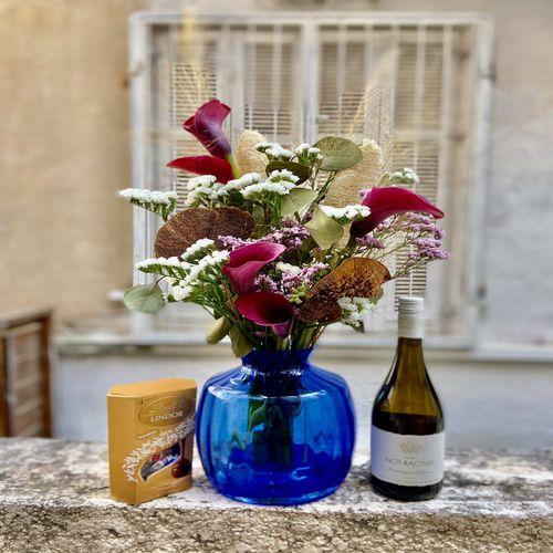 סידור בכד עם יין ושוקולד